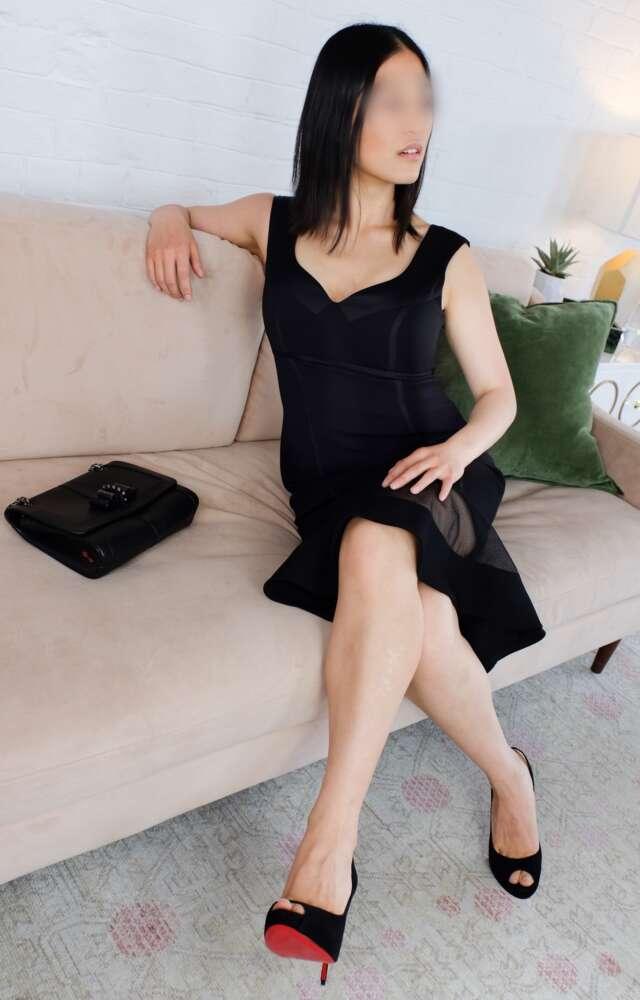 Mia Lee